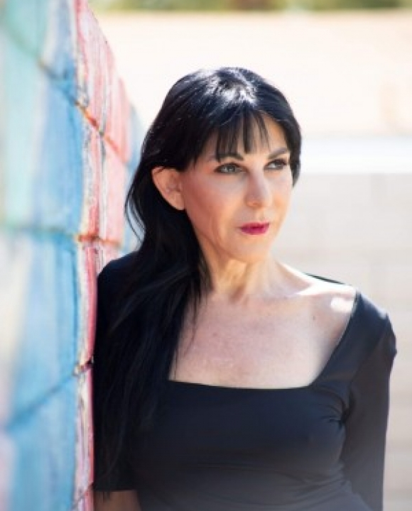 Profile picture of Angela Valente-Romeo