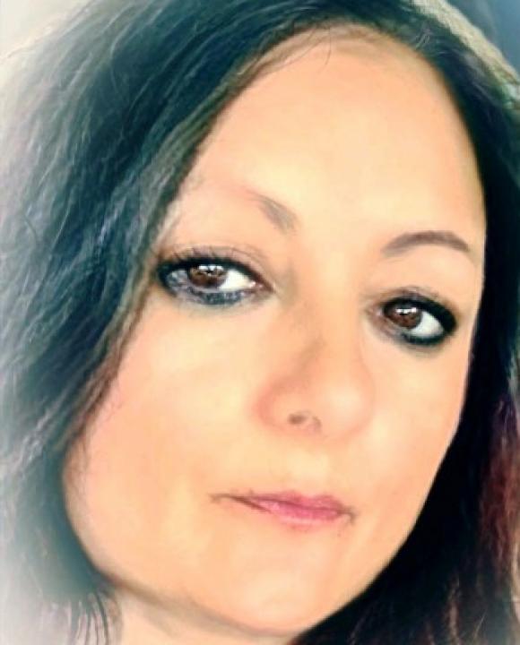 Profile picture of Elizabeth Borden